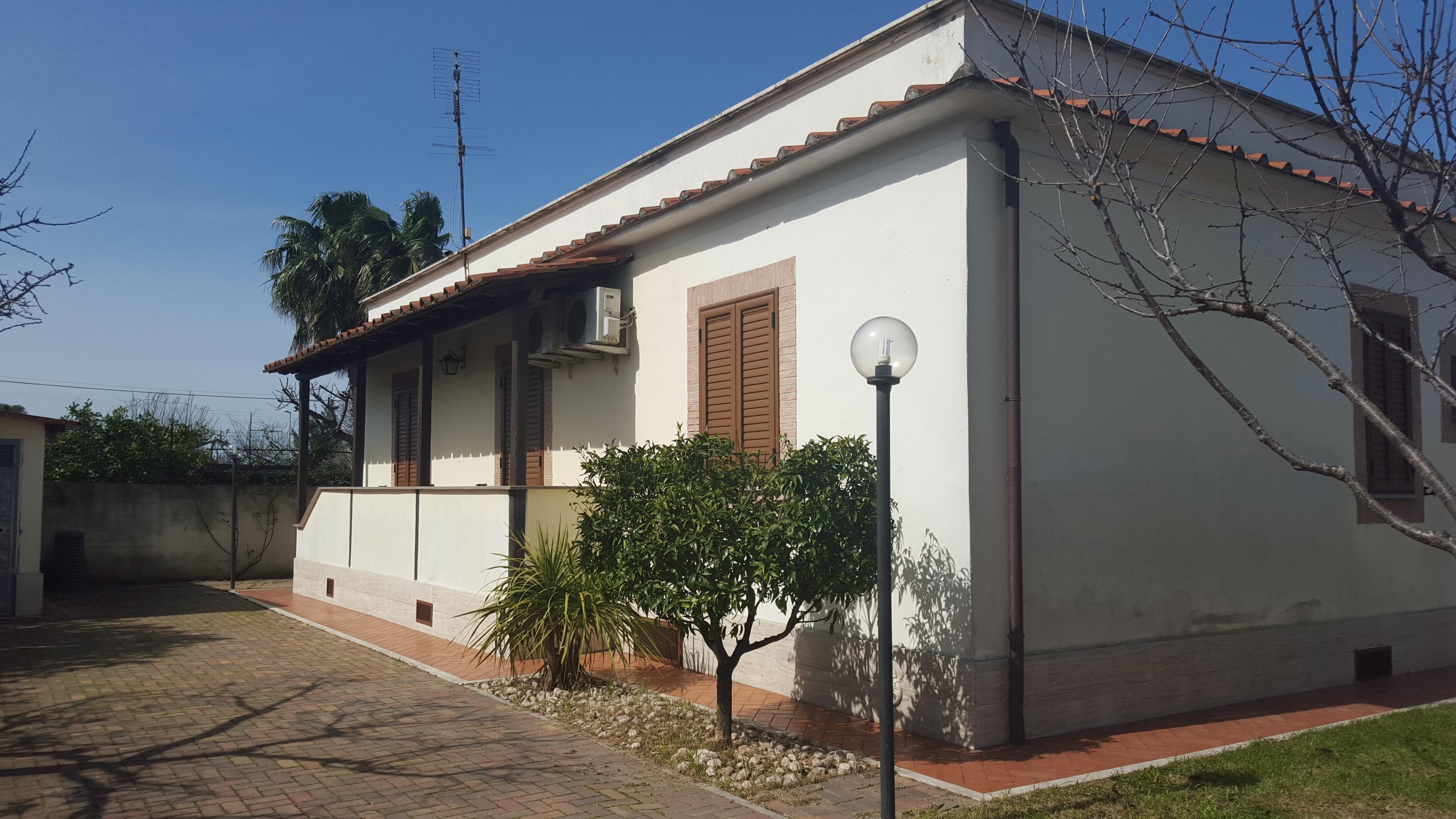 Villa unifamiliare rara opportunita 39 ostia antica via for Affitto ufficio ostia